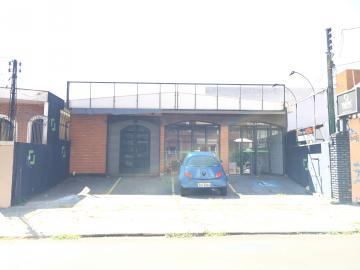 Comercial / Salão sem Condomínio em São Carlos Alugar por R$3.000,00