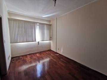 Alugar Apartamento / Padrão em Araraquara. apenas R$ 250.000,00