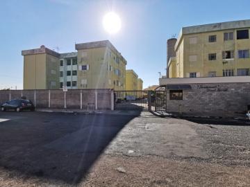 Apartamento / Padrão em Araraquara Alugar por R$700,00