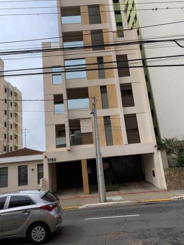Apartamento / Padrão em São Carlos Alugar por R$1.300,00