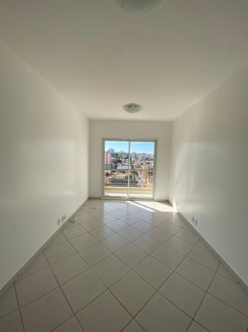 Apartamento / Padrão em São Carlos Alugar por R$1.400,00