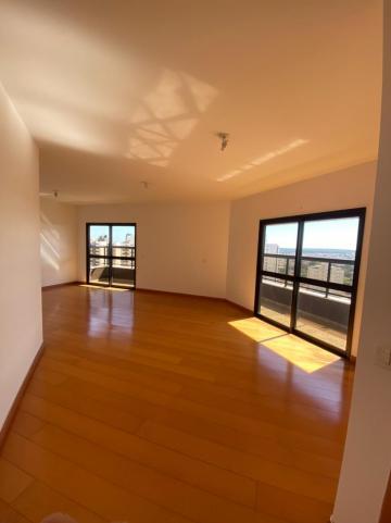Apartamento / Padrão em São Carlos Alugar por R$1.778,00