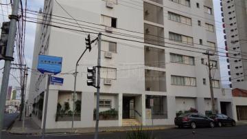 Apartamento / Padrão em São Carlos Alugar por R$1.800,00