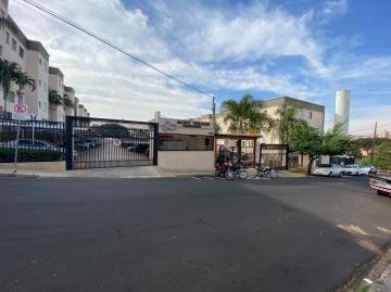 Apartamento / Padrão em São Carlos Alugar por R$1.000,00