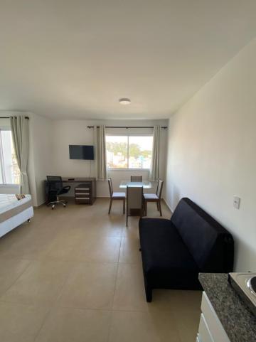 Apartamento / Padrão em São Carlos Alugar por R$1.445,00