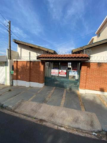 Apartamento / Kitnet em São Carlos Alugar por R$450,00