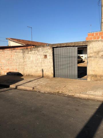 Alugar Casa / Padrão em Ibaté. apenas R$ 180.000,00