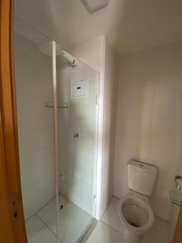 Alugar Apartamento / Padrão em São Carlos R$ 1.250,00 - Foto 6