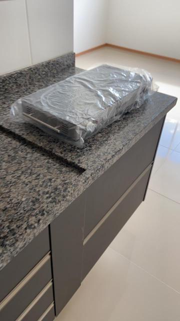 Alugar Apartamento / Padrão em São Carlos R$ 1.250,00 - Foto 3