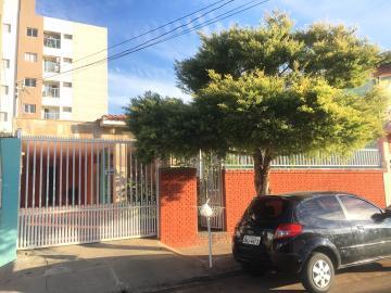 Alugar Casa / Padrão em São Carlos. apenas R$ 778,00