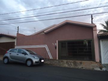 Alugar Casa / Padrão em São Carlos. apenas R$ 600.000,00