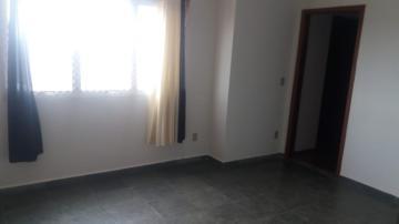 Alugar Apartamento / Padrão em São Carlos. apenas R$ 850,00