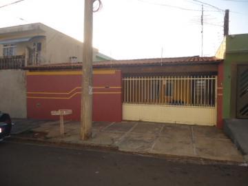 Comprar Casa / Padrão em São Carlos R$ 300.000,00 - Foto 1