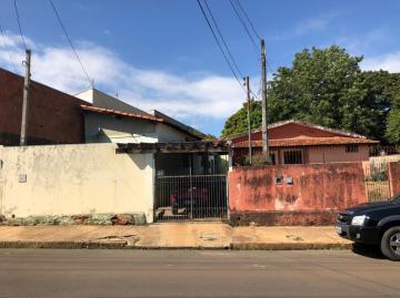 Alugar Casa / Padrão em São Carlos. apenas R$ 960.000,00