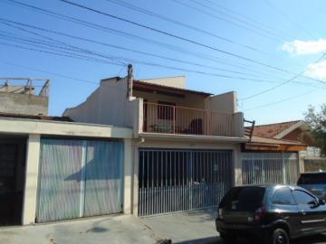 Alugar Casa / Sobrado em São Carlos. apenas R$ 245.000,00