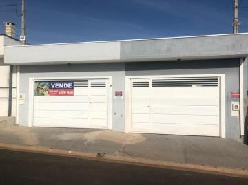 Alugar Casa / Padrão em Ibaté. apenas R$ 390.000,00