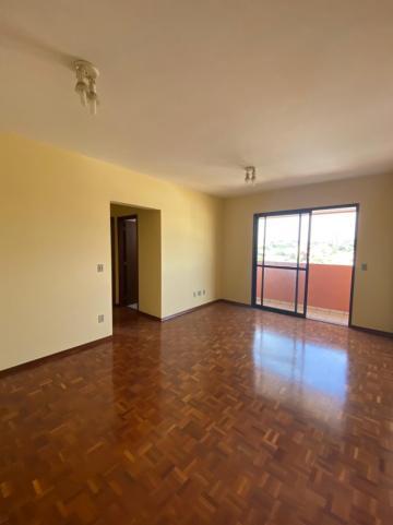Alugar Apartamento / Padrão em São Carlos. apenas R$ 1.333,00