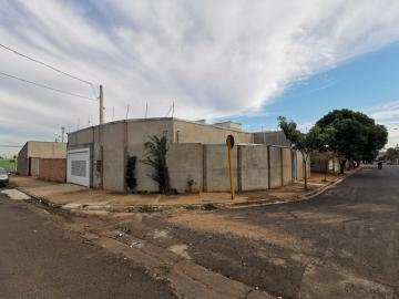 Comprar Casa / Padrão em Araraquara R$ 300.000,00 - Foto 1