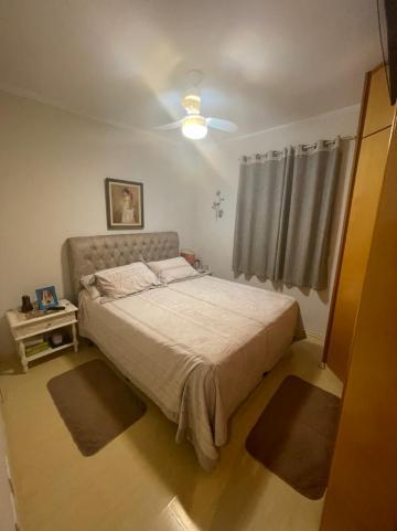 Comprar Apartamento / Padrão em Araraquara R$ 260.000,00 - Foto 2