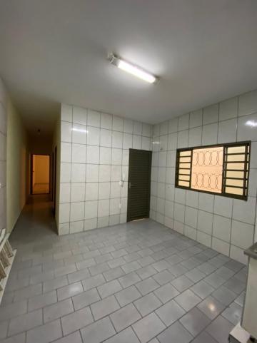 Alugar Casa / Padrão em São Carlos R$ 1.112,00 - Foto 5