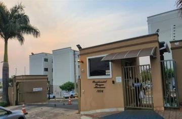 Alugar Apartamento / Padrão em Araraquara. apenas R$ 560,00