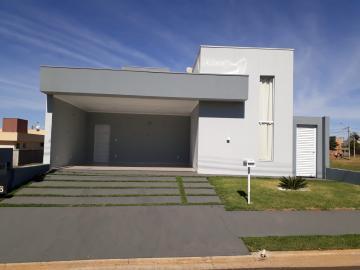 Alugar Casa / Condomínio em Araraquara. apenas R$ 630.000,00