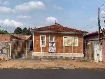 Alugar Casa / Padrão em Araraquara. apenas R$ 250.000,00