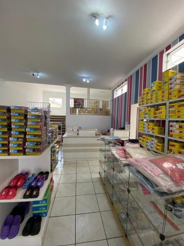 Alugar Comercial / Loja em São Carlos R$ 8.889,00 - Foto 3