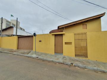 Alugar Apartamento / Kitnet em São Carlos R$ 667,00 - Foto 1